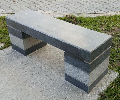 花崗岩ㄇ型石椅